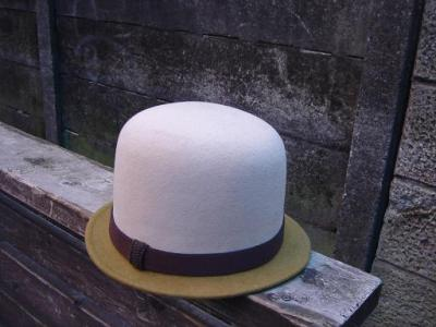 ノック帽子2